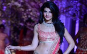 Jacqueline Fernandez is keen to work with Shah Rukh Khan, Aamir Khan