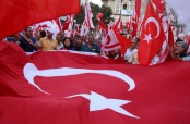 Crowds gather for massive anti-coup rally in Istanbul