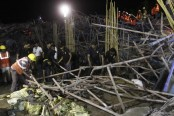 2 dead as building collapses in India, many trapped
