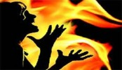 Man sets ex-wife ablaze in Naogaon