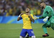 Neymar heading back to Barcelona after World Cup qualifiers