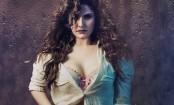 Bold scenes not called trash when big stars do them: Zarine Khan
