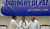 Colombia and Farc rebels sign historic peace agreement