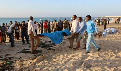 Militants kill 7 in Somali beach attack