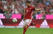 Robert Lewandowski scores another Bayern Munich hat-trick in 6-0 thrashing of Werder Bremen
