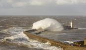 North Atlantic 'weather bomb' tremor measured in Japan
