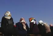 Turkey lifts headscarf ban for its policewomen