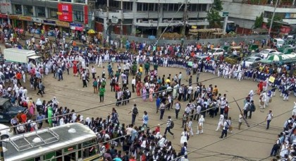 Suraya's death: Willies Little Flower students blockade Kakrail intersection