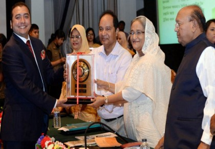 PM urges exporters to explore new markets and diversify product