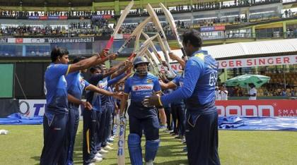 Australia edge out Sri Lanka in Tillakaratne Dilshan ODI farewell