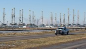 Sharp fall in oil price as global output mounts