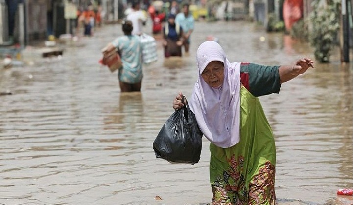 Death toll from Indonesia floods, landslides, rises to 19