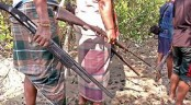 RAB rescues 6 fishermen fighting robbers in Sundarbans
