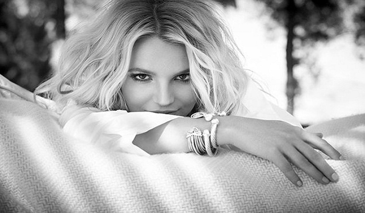 Britney Spears to host charity cycling class