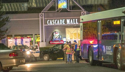 5 killed in US mall shooting
