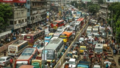 Traffic snarls in Dhaka cost $4.6 bn annually, UNDP report reveals
