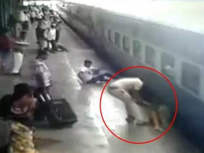 Indian actor Akshay Kumar Tweets video of cop saving woman who fell off Mumbai local (Watch video)