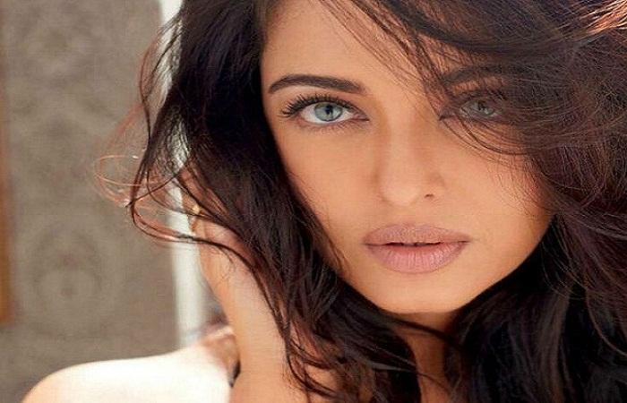 Aishwarya Rai Bachchan's 'Slam Book' Page Goes Viral
