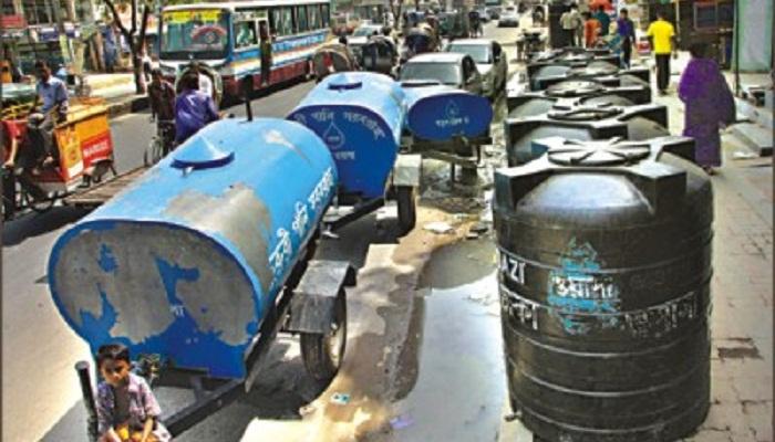 Tank blasts in city leaves 6 injured