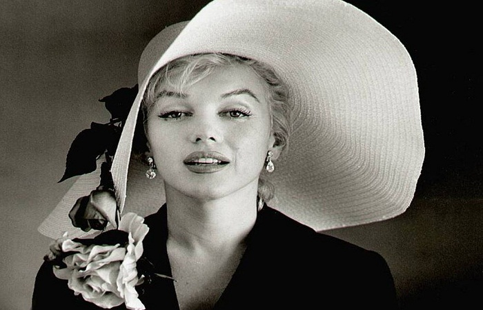 Marilyn Monroe''s mink stole to be auctioned