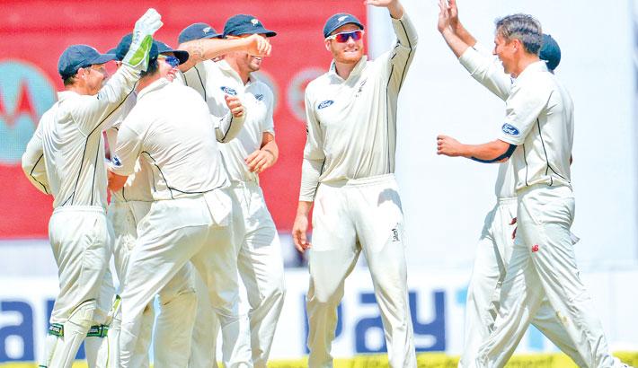 New Zealand bowlers put India on backfoot