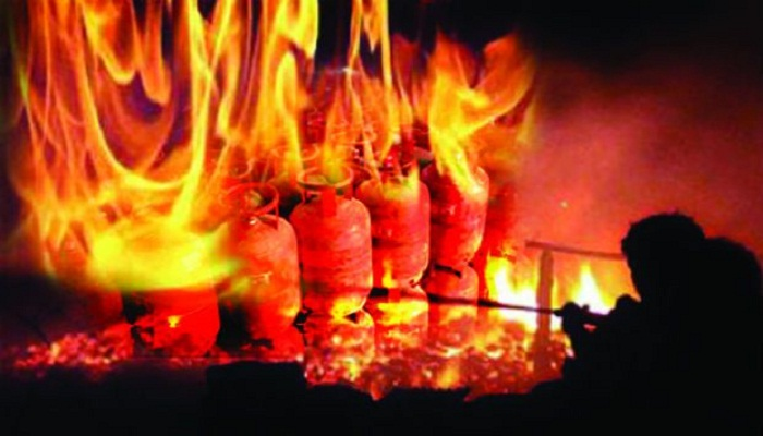 Cylinder gas explosion in city kills 1