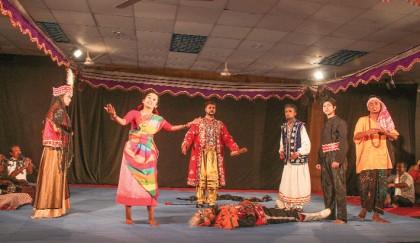 Ganga Theke Buriganga delights JnU audience