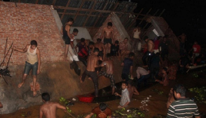 2-storey building collapses in Kaptai Lake, 3 killed