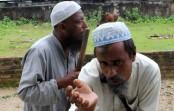 A fight between beggars (watch video)