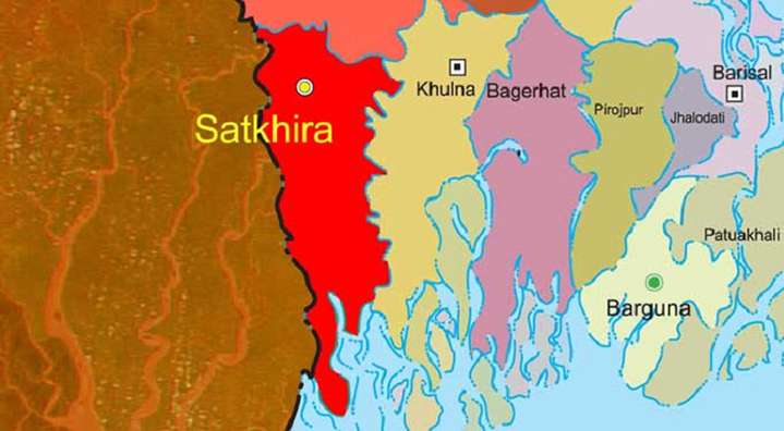 2 cops caught while 'looting' smuggled gold in Satkhira