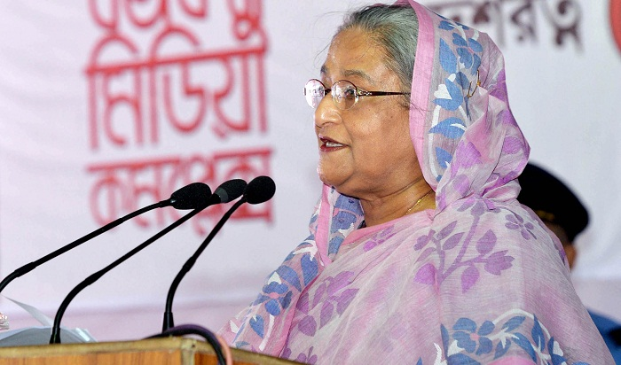 Enough freedom; perform your duties, PM to journalists