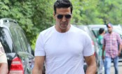 Akshay Kumar helps out with producer's medical bills