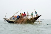 57 fishermen jailed for catching hilsa in Manikganj