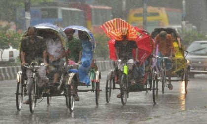 Rain disrupts normal life in Dhaka