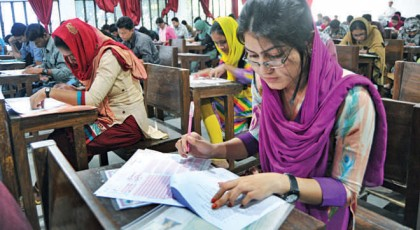 Five held for cheating at DU admission tests