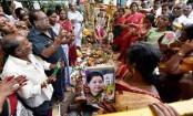 Ailing Jayalalithaa puts thumb impression on election affidavit