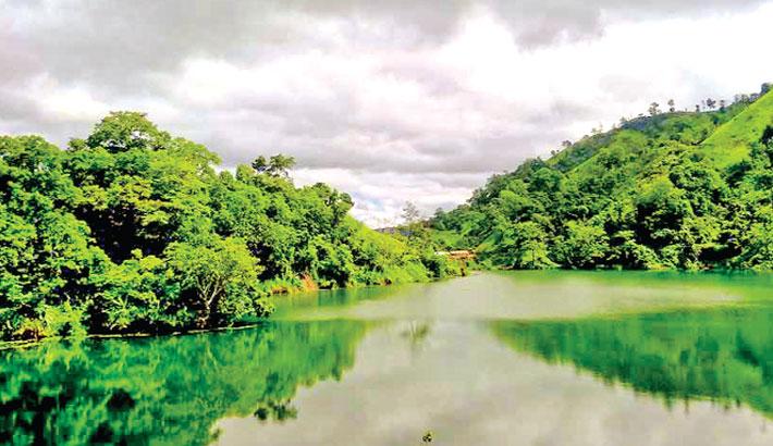 Boga Lake is the most beautiful natural lake in Bangladesh   2016-10