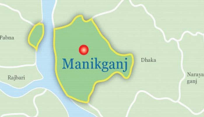 Female UP member killed in Manikganj road crash