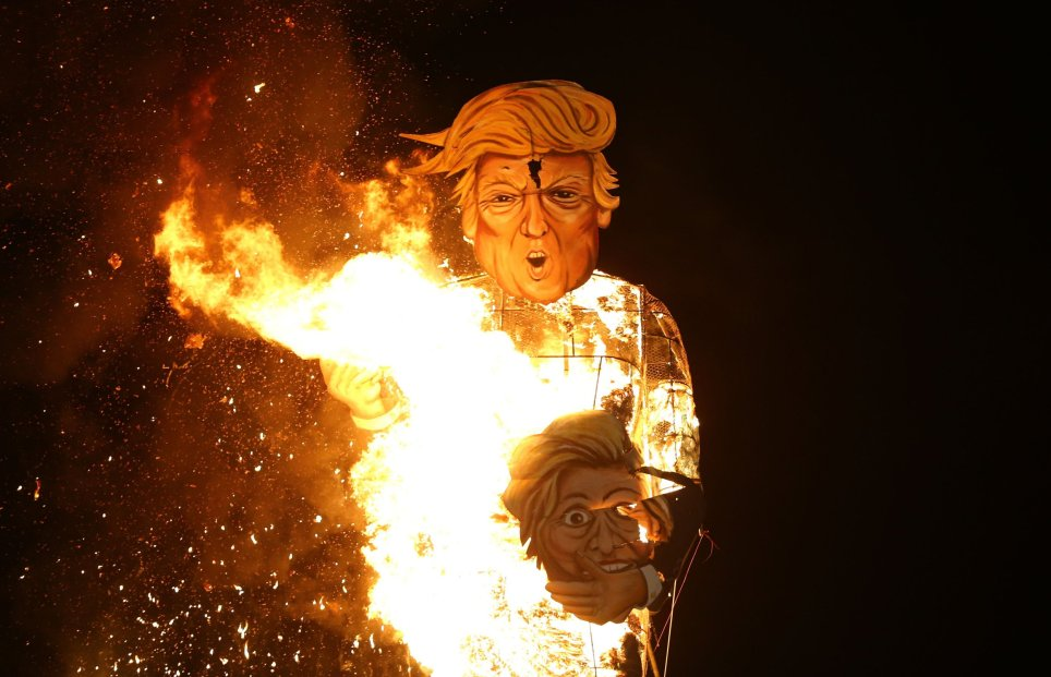 Giant Donald Trump effigy burned at UK Bonfire (watch video)