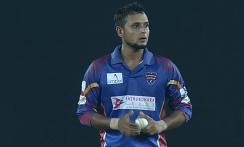Sunny scalps 3 wickets conceding 0 runs!