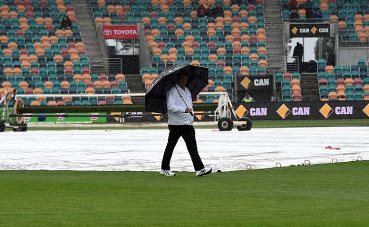 2nd Test: Rain washes out play between South Africa & Australia