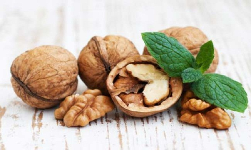 Walnuts Can Improve Mood In Young Men: Study