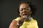 Big-voiced Dap-Kings soul singer Sharon Jones dies at 60