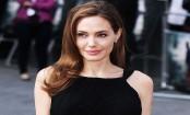 Angelina Jolie chain smoking amidst divorce battle