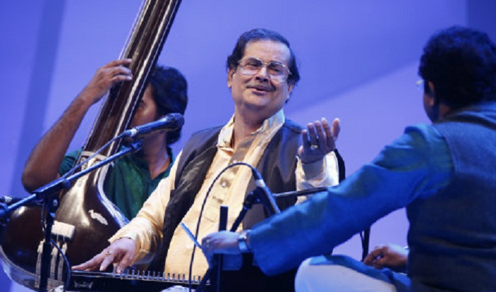 Pt Ajoy Chakrabarty captivates audience