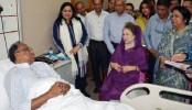 Khaleda visits ailing Mahmudur at hospital