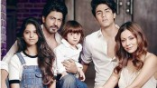 This pic of Shah Rukh Khan and his family is breaking the internet