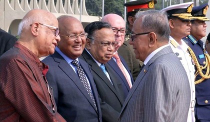 President flies to Singapore for medical checkup