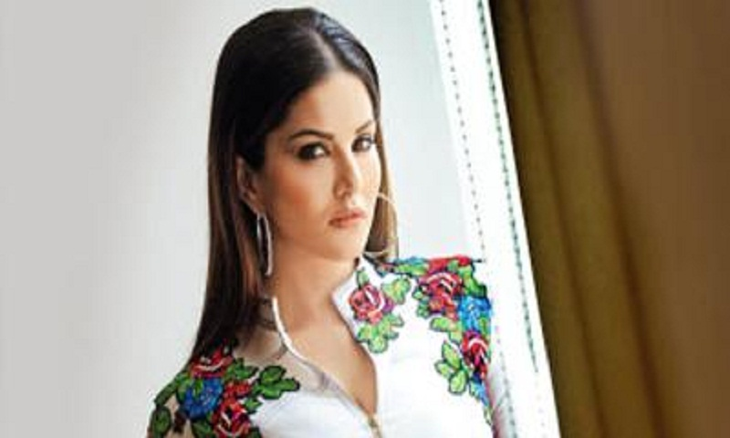 Sunny Leone to receive PETA award for rescuing homeless dogs, cats