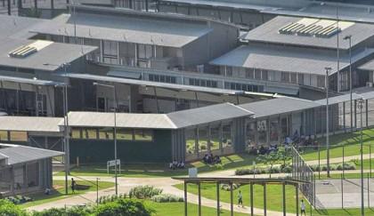 Unrest at Australia detention camp after Sudan refugee dies